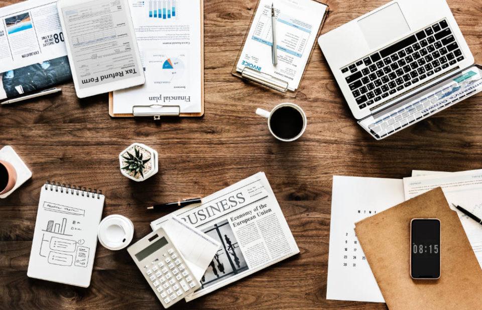 企業サイト向きWordPressテンプレートおすすめ5選(日本語・スマホ対応・有料テーマ)